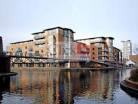 1 bedroom flat in Canal Wharf, Waterfront Walk,