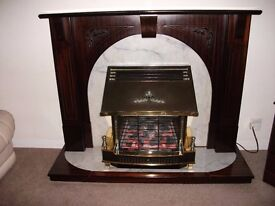 Main Fireflame De Luxe Gas Fire and Mahogany Surround.