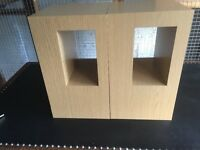 Lovely set of 2 tables plus 2 mix and match table blocks to change the look like new