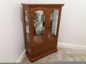 Lovely 4ft display cabinet with lighting