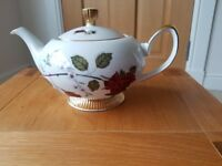 Various Vintage style teapots/coffee pots