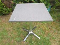 Garden table with pedestal - Unused