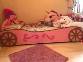 Little girls pink princess carriage bed