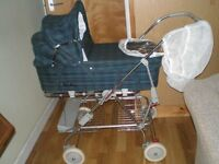 Silver Cross retro style carry cot / pram