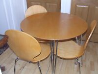 DINING TABLE AND CHAIRS VERY GOOD CONDITION FREE EDINBURGH DELIVERY