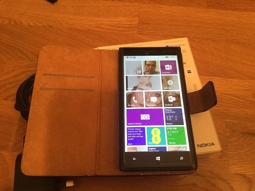 Nokia LUMIA 830, 4G EE Smartphone in pristine condition 16GB. POSTED FREEin North Anston, South YorkshireGumtree - Windows 4G phone comes complete with original box, charger, instructions and case. It is absolutely pristine unmarked condition, it looks New. It is just over a year old and has always had a screen protector and been in a case. It is totally unmarked...