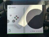 Xbox Series S for sale!! X2 controllers (LIKE NEW)!!