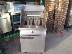 CATERING COMMERCIAL GAS CHIPS FRYER CAFE KEBAB FISH RESTAURANT BBQ KITCHEN BAR FAST FOOD TAKE AWAY