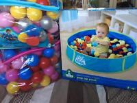 Pop up ball pit and 2 bags balls