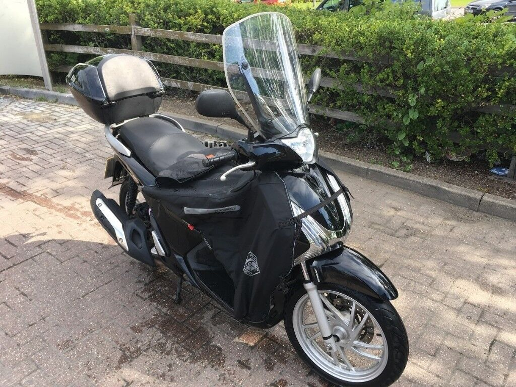 Honda SH125i ABS 2015, 10K miles, black, servicebook, V5, all keys,windscreen, 1.owner, 1 year MOT