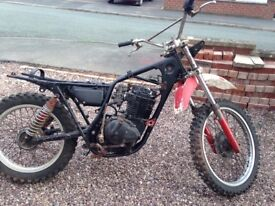 Suzuki sp370 classic 1970s trail bike for spares, repairs or breaking