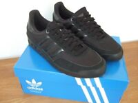 Adidas black unisex trainers – Size 8 (but come up small so probably nearer 7 ½ )