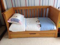 Mamas and Papas Cot/day bed