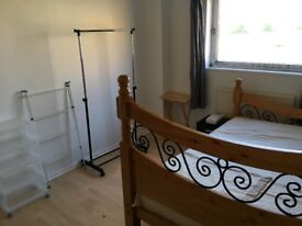 Large Room near Jubilee and Central Lines
