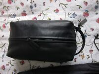 Genuine beaty-case Calvin klein in black Leather
