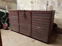 Large tack box / storage chest