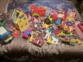 Toy bindle