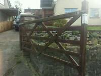 Solid wood driveway gate in good used condition. 292cm by 122 cm. Congresbury.