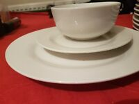 100 sets of bowls, dinner plate and side plate for events