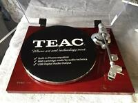 Teac TN - 300 Turntable with USB and phono Equalizer Cherry