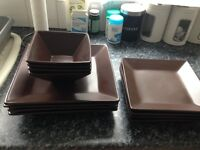 GOOD CONDITION SET OF 12 PIECES INCLUDING 4 SQUARE BROWN PLATES 2 SIZES AND 4 BOWLS