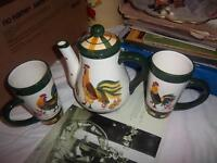 Rooster Teapot with 2 Rooster Mugs