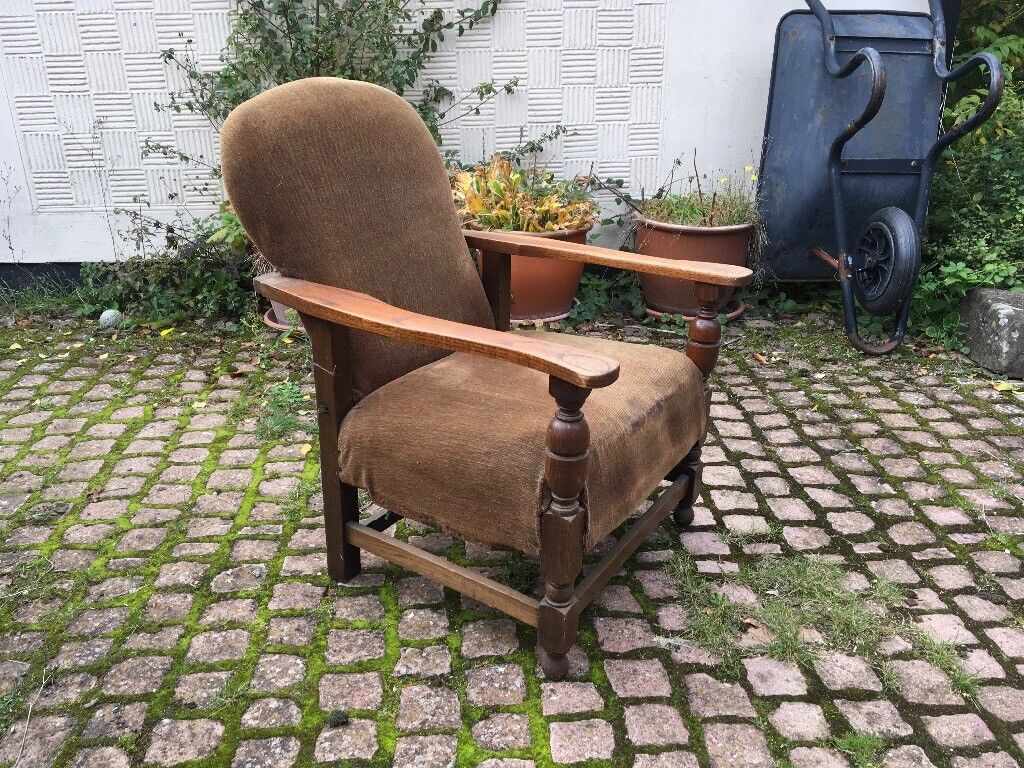 Small wooden armchair, upholstery project