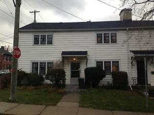 STUDENTS: QUIET 1 BED AVAIL SEPT 1! GREAT LOCATION! 1- 59 Gore