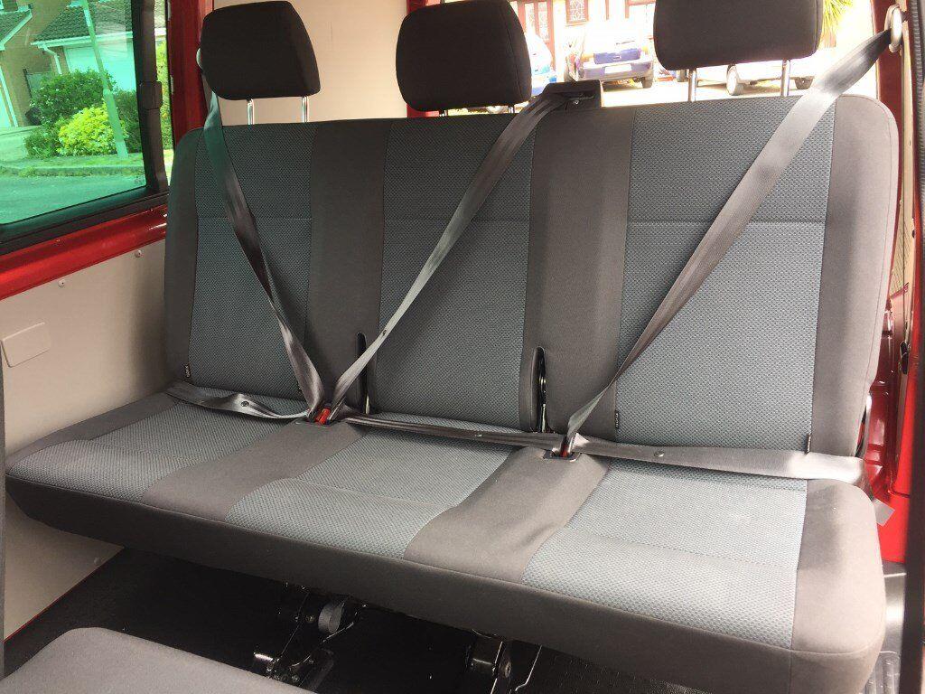 vw transporter t5 t6 kombi 3 seat bench seat in grey black samora trim complete with seatbelts. Black Bedroom Furniture Sets. Home Design Ideas