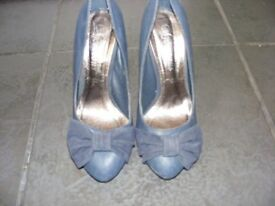 Navy High Heel Shoes Size 3 These Are A Darker Blue Than The Photos (Worn Twice)