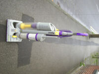 DYSON DC03 vacuum cleaner, works well and has new filters