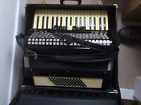 Accordion 72 bass in case - For Sale