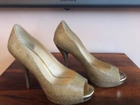 STUNNING NINE WEST GOLD SPARKLY SHOES UK SIZE 7 (9W) COST £70