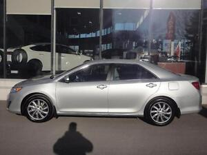 2014 Toyota Camry LE mag, navi ++