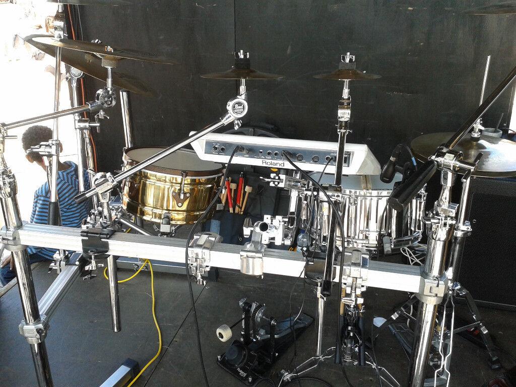 Pearl drum rack + accessories + Hardcase trunk | in Coombe ...