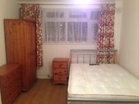 A large double room for rent near Canning Town station