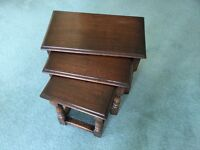 Oak Nest of Tables, in very good condition. All interlocking.