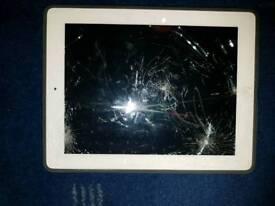 IPad 2 16gb mc979x/a Cracked Screen