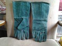 Gloves welding