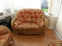 CONSERVATORY FURNITURE FOR SALE SOFA AND 2 CHAIRS IN FANTASTIC CONDITION
