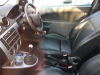 Ford Fiesta 1.4 2003 good runner mot for 10month black leathers Seats