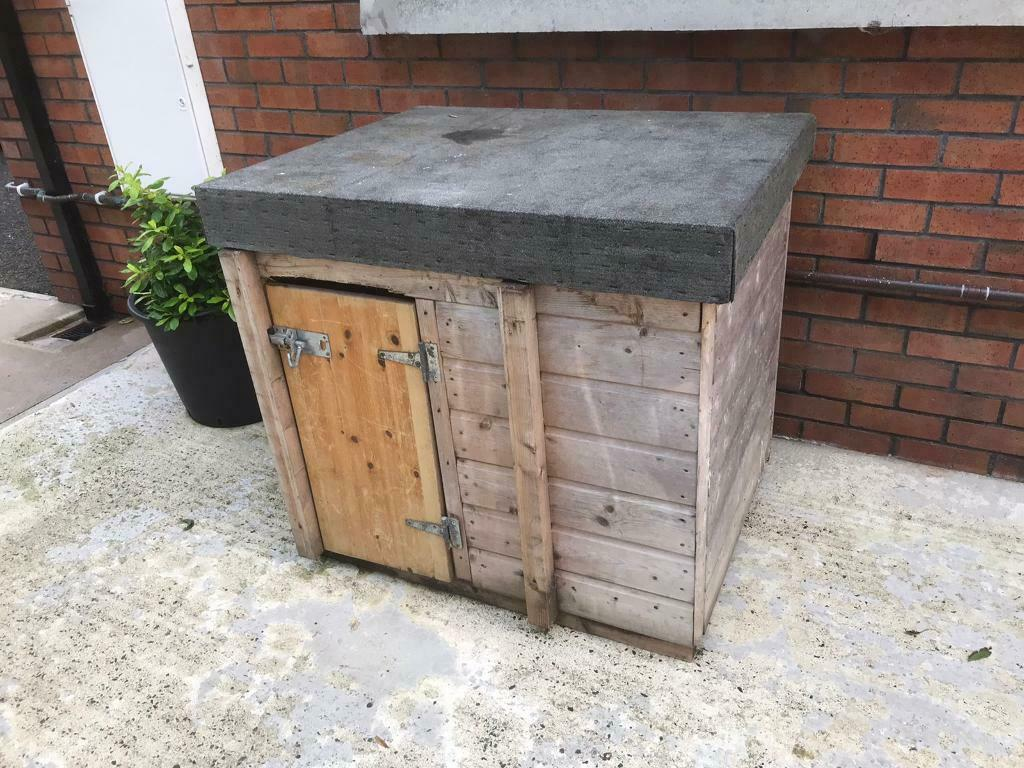 Large Dog Kennel In Ballymoney County Antrim Gumtree