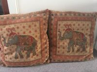 2x elephant cushions