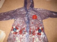 BEAUTIFUL LIGHT WEIGHT MOTHERCARE RAINCOAT age 3-4 - IMMACULATE CONDITION! Ideal for this weather!