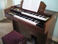 a nice vintage organ .working well.lots of fun to have .