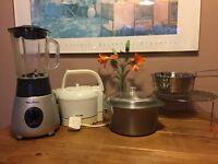 Range of small kitchen appliances