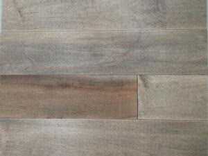 Plancher d'ingénierie préhuilé érable ou chêne 3,89$/pc