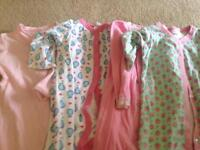 Baby grows x4 age 6-9 months