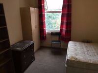 *****MASTER DOUBLE ROOM AVAILABLE NOW FOR ONLY £175 PW WITH ALL BILLS INCLUDED*****