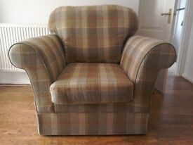 2x2 seater settee L1600 W900 H950 + Easy chair L1070 W900 H 959